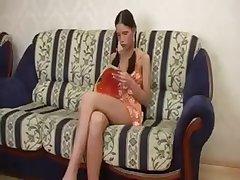Групповой секс дома с двумя русскими девушками
