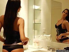 Проститутка Kortney Kane и не думала, что возбужденный клиент будет так смачно лизать пизду