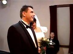 Мужики насилуют невесту на свадьбе
